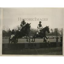 1932 Press Photo Grand National horses Drintype and Sir Lindsay at Lingfield