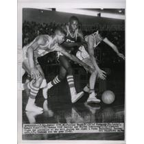 1963 Press Photo Charles Frank of Normandy fights for ball against KC Central