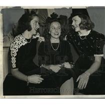 1941 Press Photo Ann Vermillion, Dottie Dickens, Joan Kayser - mja15516