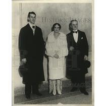 1928 Press Photo Geo Downing w/ Mrs Downing & Ed Cocran  - mja17503