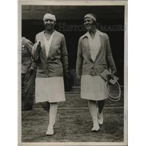 1929 Press Photo Betty Nuthall of Britain and Molla Mallory of U.S. at Wimbledon