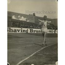 1924 Press Photo William Goodwin wins 3000 Meter Run at Olympic tryouts, NY