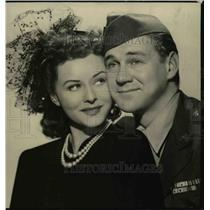 """1944 Press Photo Paulette Gaddard and Sonny Tufts in """"I Love a Soldier"""""""