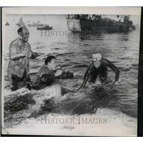 1952 Press Photo Florence Chadwick, swims the 21 mile Catalina channel