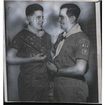 1952 Press Photo Kenny Grant Boy Scout & dad WE Grant Scoutmaster - net02718