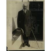 1927 Press Photo Ex Kansas Gov Henry Allen arrives in Europe aboard SS New York