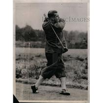 1929 Press Photo Golfer Cyril J H Folley in action on a course - net11223