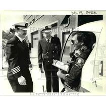 1985 Press Photo Helicopter Pilot Dennis Nordin Hornored Portland Fire Bureau