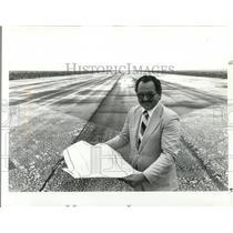 1985 Press Photo Port manager, Stephen Lindston - ora52150