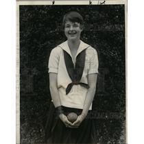 1927 Press Photo Eleanor Rice of New Rochelle College shot putter - net10999