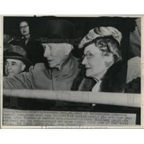1946 Press Photo Athletics owner Connie Mack & wife at World Series game