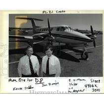 1988 Press Photo Ernie Strum , Don Bonda Flightcraft Inc. Beechcraft 300 King