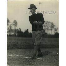 1924 Press Photo Senator Frederic Hale of Maine golfing on a course - net12567