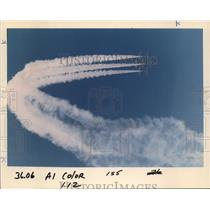 1996 Press Photo The Candaian Armed Forces Snowbirds in formation. - ora99953