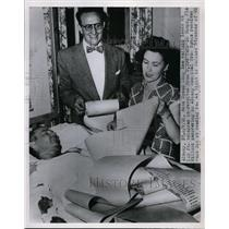1951 Press Photo Auto speed king Lee Willard in hospital after being burned