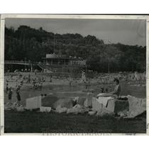 1955 Press Photo Bradford Beach - mjx03481