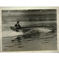 1930 Press Photo new fold away motor boat tested on Thames River