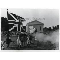 1971 Press Photo Jonathan Hale Homestead, mock revolutionary War Battle
