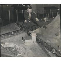 1955 Press Photo Jimmy Goldinger Railroad layout Scout