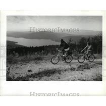 1993 Press Photo Bikers take a tour of Big Mountain - spa30559