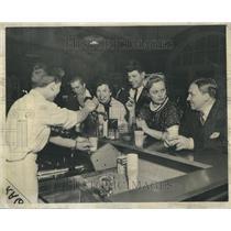 1957 Press Photo Hungarian Refugees