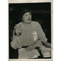 1937 Press Photo Ms. C. Curtis Representing the Women's Hands Off Supreme Court