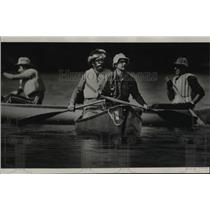 1980 Press Photo Group of Foresters Canoe Journey Down Spokane & Columbia River