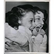 1947 Press Photo Cheerleaders Marjorie Kemp & Sue Hopper cheer Champaign Maroons