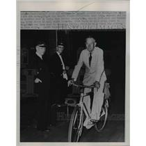 1951 Press Photo Addison B. Russell on his fourth trans-continental Bike Trip