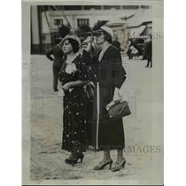 1933 Press Photo Mme Paul Codos and Mme.Maurice Ross, wives of French Fliers