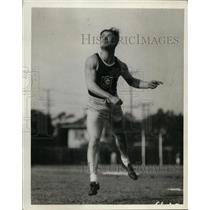 1928 Press Photo Javelin thrower demonstrates correct technique - net07545