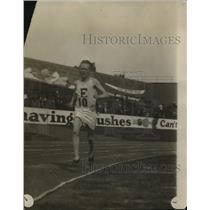 1924 Press Photo John Gray wins 10K Meter Run at Olympic Trials - nez24096