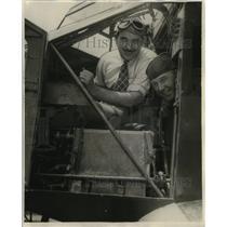 1929 Press Photo Airplane Pilots Loren Mandell & R.B. Reinhart - ney21032