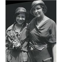 1932 Press Photo Wilma Pyle Spelling Champ Burman Teach - RRR49593