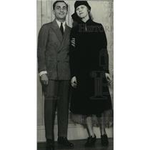 1935 Press Photo World famous composer Irving Berlin with his wife Ellin