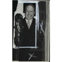 1932 Press Photo William Hearst Discusses Sale Tax on National Broadcast