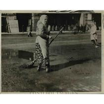 1930 Press Photo Woman street sweepers in Russia city - net19604