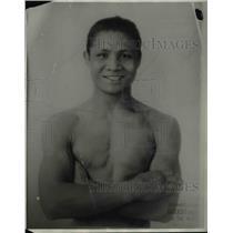 1928 Press Photo Ignacio Fernandez in boxing training at a gym - net20564