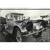 Press Photo The 1920 Pierce Arrow Plated in 23-carat Gold sold to Earl Clark