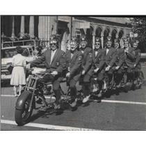 1984 Press Photo Shriners of Coeur d'Alene on their octocycle an eight-man bike