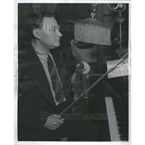 1939 Press Photo Schkolnick