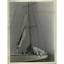 1937 Press Photo Crew of racing boat Ranger at work on the sails - nes51535