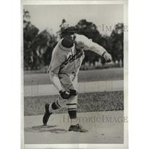 1932 Press Photo Rookie pitcher Albert Caldera of the St Louis Cardinals