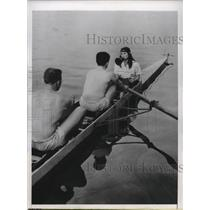 1948 Press Photo Mildred Joy Campbell tries out for coxswain for Univ of CA crew