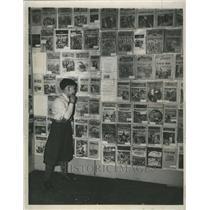 1935 Press Photo Bob Chapellio Admiring Hobby Display - RRR54083