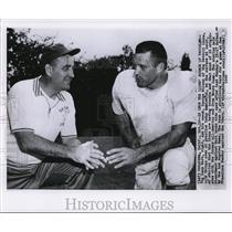 1957 Press Photo Leon Hart & Coach George Wilson of Detroit Lions - nef17632