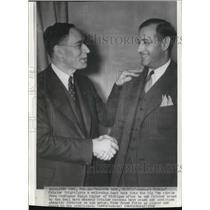 1930 Press Photo Herbert Fritz Crisler Get Welcoming Handshake From Ralph Aigler