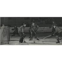 1953 Press Photo Hockey Action - spa33755