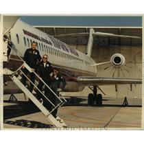 1988 Press Photo Flight crew members of the McDonnell Douglas MD-UHB - spa34236