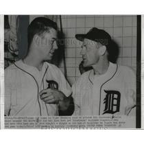 1952 Press Photo Pitcher Art Houtteman and Detroit manager Red Rolfe.